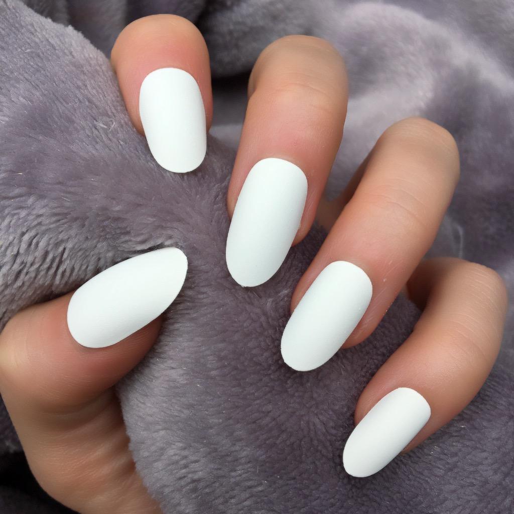 овальная форма ногтей - пример 2