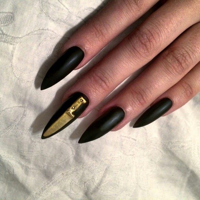 форма ногтей стилет - пример 2